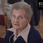 Vo veku 98 rokov nás navždy opustila výnimočná a  nebojácna žena, hrdinka protifašistického odboja a komunistka- Helena  Kolesárová: Počas 2.sv. vojny ju pre odbojovú činnosť mučili a väznili  maďarskí fašisti